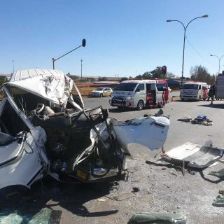 [ALRODE] 18 injured as taxi collides with truck – ER24 WhatsApp Image 2019 06 23 at 12