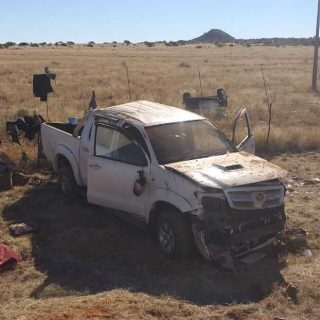[KIMBERLEY] – Bakkie rollover leaves three dead, eight injured. – ER24 KIMBERLEY     Bakkie rollover leaves three dead eight injured 320x320