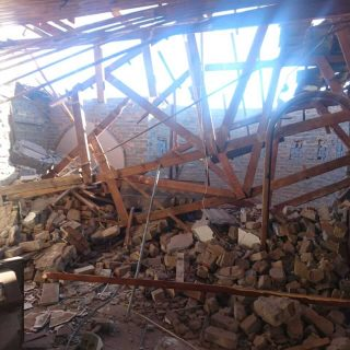 [LENASIA] – Man injured after structure collapses. – ER24 LENASIA     Man injured after structure collapses 320x320