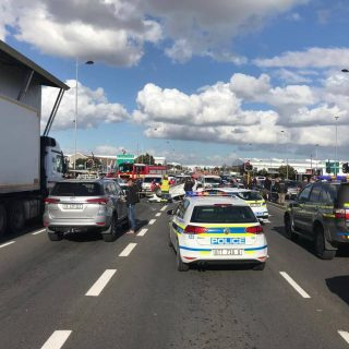 [MILNERTON] – Four injured following three-vehicle collision – ER24 MILNERTON     Four injured following three vehicle collisio 320x320
