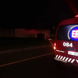 [NEWFIELDS] – Taxi rollover leaves one dead, eight injured. – ER24 NEWFIELDS     Taxi rollover leaves one dead eight injured 320x320