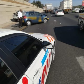 Gauteng: No injuries were reported at a collision between a light motor vehicle … 70608895 2513613481993106 2277843868302966784 n 320x320