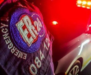 [KRUGERSDORP] Single vehicle rollover leaves four injured – ER24 nightstock 320x266