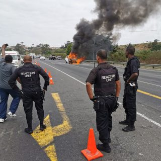 Vehicle On Fire: R102 Phoenix – KZN  Motorists are urged to steer clear of the n… 71279194 2757983544220222 2142943081589112832 o 320x320