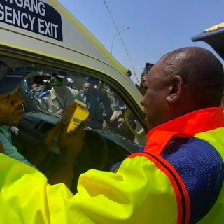 The President interacting with motorists and passengers #OTM2019 #ArriveAlive… 71494496 2463078430440933 8244809565762224128 n 320x320