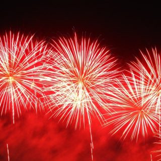 Safety when using fireworks. 72449743 762509807507786 7362242426938851328 n 320x320