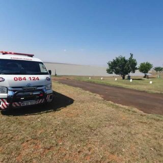 [NEWCASTLE] Two rescued after boat capsized – ER24 WhatsApp Image 2019 10 27 at 13