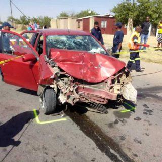 [ZAMDELA] – Four injured in head-on collision. – ER24 ZAMDELA     Four injured in head on collision 320x320