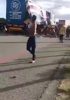 Apparently this happened at the N1 protest De Doorns this morning… 71126617 583909372350340 497337404487630848 n 224x320