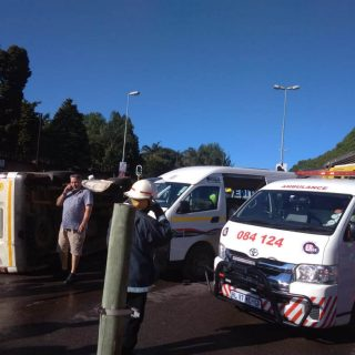 [HILLCREST] – Two taxis collide leaving at least 26 injured. – ER24 HILLCREST     Two taxis collide leaving at least 26 injured 320x320