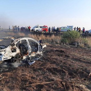 [LEKGALONG] Two dead, two seriously injured in head-on collision – ER24 Lekgalong 2019 11 10 at 17