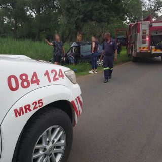 [BONANNE] Teenager seriously injured in car collision with tree – ER24 Bonanne 2020 01 05 at 08
