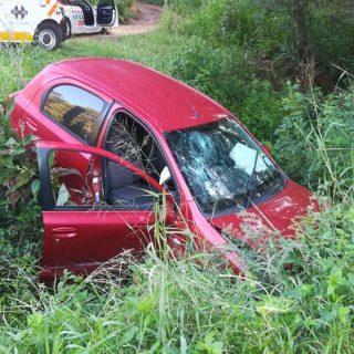 KwaZulu-Natal: The driver of a light motor vehicle has sustained minor injuries … 89919146 2937148636306253 2640641546797449216 n 320x320