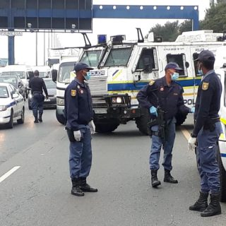 BREAKING: Multidisciplinary forces have closed down M1 in Johannesburg to deal w… 92508569 2856109714471134 8698225127147438080 n 320x320