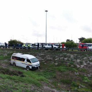[MATROOSFONTEIN] Twelve injured in taxi rollover – ER24 Borchards2 2020 05 03 at 07