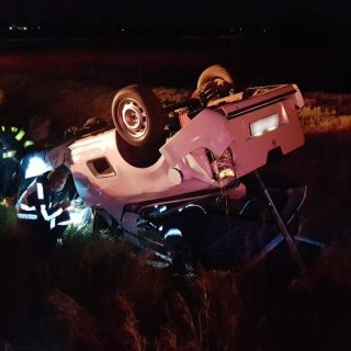 [MEYERTON] – Bakkie rollover leaves man seriously injured. – ER24 MEYERTON     Bakkie rollover leaves man seriously injured 320x320