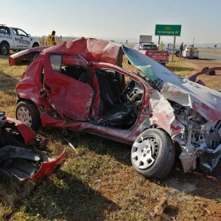 [POTCHEFSTROOM] – Truck and car collide leaving one dead, two injured. – ER24 POTCHEFSTROOM     Truck and car collide leaving one dead two injured 320x320