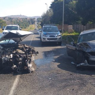 [WILGEHEUWEL] – Head-on collision leaves two injured. – ER24 WILGEHEUWEL     Head on collision leaves two injured 320x320