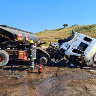 23 July 2020  1 Dead, 2 trucks collide – N2 Ballito  Earlier this afternoon IPSS… 110743193 4220912451317356 4341730064081460952 o