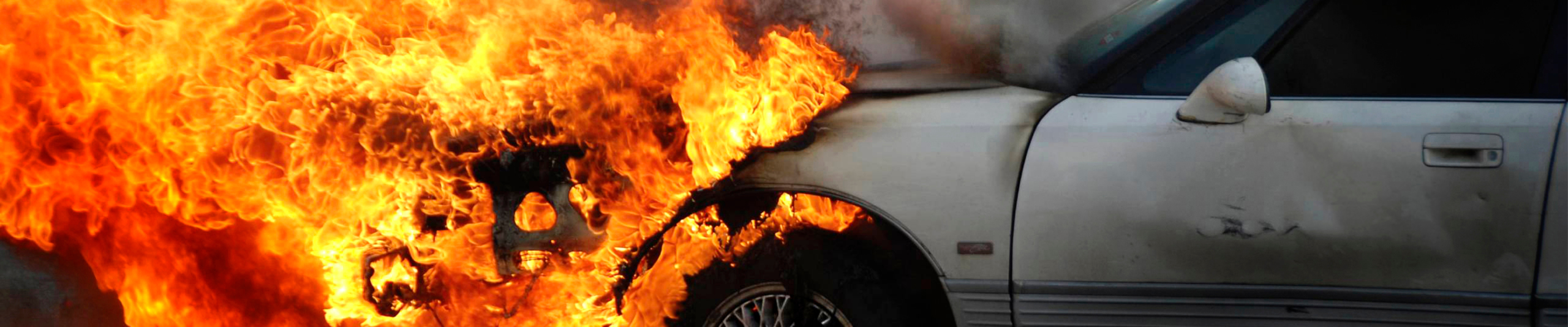 [POLOKWANE] – Bakkie and SUV collide leaving three dead, three injured. Stock Car Fire scaled