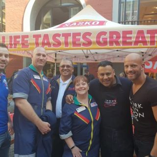 Netcare 911 Western Cape staff celebrated Mandela Day with Dr Darren Green assis… 37290176 1880125138675280 4278649061680087040 o 320x320